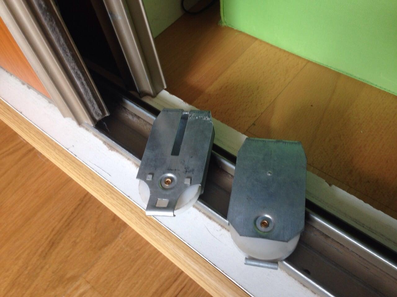 Двери купе на шкаф установка своими руками